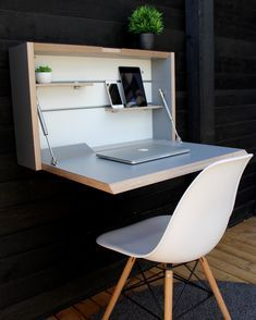 Space Saving Desk, Space Saving Furniture, Desk Space, Design Living Room, Small Room Design, Desks For Small Spaces, Tiny Spaces, Small Study Table, Study Table Designs