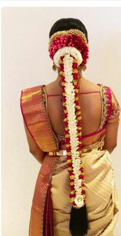 Hairstyle by Swank Studio… South Indian Wedding Hairstyles, Bridal Hairstyle Indian Wedding, Bridal Hair Buns, Bridal Braids, Bridal Hairdo, Indian Bridal Makeup, Indian Hairstyles, Bride Hairstyles, Open Hairstyles