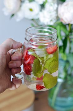 Mason Jars, Food And Drink, Herbs, Healthy Recipes, Mugs, Vegetables, Cooking, Tableware, Party