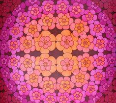 vintage wallpaper - circles of flowers -