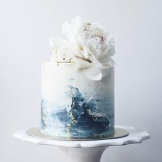 58 Ideas For Cake Designs Buttercream White Weddings Pretty Cakes, Beautiful Cakes, Amazing Cakes, Different Wedding Cakes, Watercolor Cake, Blue Cakes, Painted Cakes, Wedding Cake Inspiration, Buttercream Cake