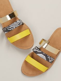 Toe Ring Sandals, Shoes Flats Sandals, Strappy Flats, Gladiator Sandals, Leather Sandals, Slide Sandals, Trendy Sandals, Cute Sandals, Cute Shoes