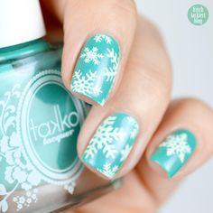 Takko Lacquer Floridazed – Snowflakes stamping – Winter Nailart – Schneeflocken - by frischlackiert