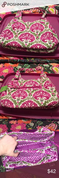 """SALE Vera Bradley Emily satchel julep tulip Outside has zip pocket. Main compartment is divided by 3 sections. Middle has zip closure with 2 slip pockets 1 zip pocket. Front compartment has magnetic closure. Back compartment has magnetic closure and 1 slip pocket.  Approx size 9""""W X 9 1/4"""" H. Vera Bradley Bags Shoulder Bags"""