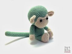Nerdheart: Crochet Monkey and Experimenting with a Light Box
