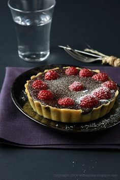 Tartaletki. Czekolada. Maliny. – White Plate Cupcake Cakes, Cupcakes, Macarons, Tiramisu, Fondant, Muffins, Cheesecake, Pie, Cooking Recipes