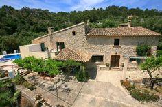 Villa de vacaciones en Pollensa, Islas Baleares, España. 4 Dormitorios + 4 Baños + 8 plazas > http://ow.ly/lQ6dc #AlwaysOnVacation