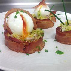 Salade tiède de chou vert au lard fumé, œuf mollet et vinaigrette.  Cours de cuisine traditionnelle française