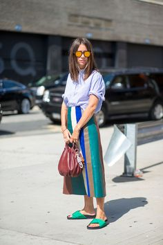 Best New York Fashion Week Street Style Spring 2016 – NYFW Street Style Source by phanthanhphuong Look Street Style, New York Fashion Week Street Style, Nyfw Street Style, Spring Street Style, Nyc Fashion, Street Chic, Look Fashion, Spring Fashion, Street Wear