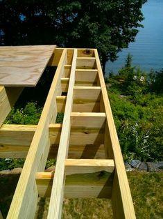 deck picture frame framing Building A Deck Frame, Floating Deck Plans, Decks Around Pools, Classic Picture Frames, Platform Deck, Deck Framing, Modern Deck, Deck Pictures, Deck Construction