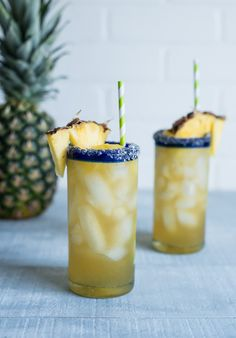 Vanilla Pineapple Margaritas #Vanillaweek www.pineappleandoconut.com