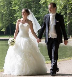 B dress on pinterest wedding dressses robes and bridal for Robes de mariage en consignation seattle