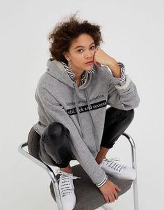 Sweat à capuche avec message - Sweat - Vêtements - Femme - PULL&BEAR France