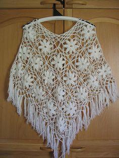 Ravelry: 19 Valkoinen virkattu poncho pattern by Anne-Maija Immonen