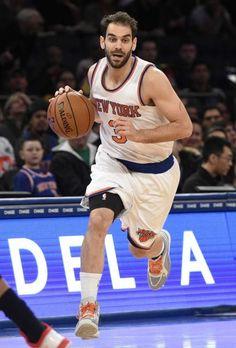 New York Knicks guard Jose Calderon drives the