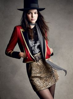 Model Kendall Jenner by Patrick Demarchelier for the latest issue of Vogue Magazine. Styled by Tabitha Simmons. Kendall Jenner Estee Lauder, Kendall E Kylie Jenner, Sporty Chic, Fashion Models, High Fashion, Womens Fashion, Vogue Fashion, Karl Lagerfeld, Kardashian