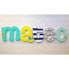 Wooden Names, Wooden Letters, Letter Door Hangers, Fiesta Mickey Mouse, Baby Letters, Cute Alphabet, Drawing Course, Baby Name Signs, Pencil Boxes