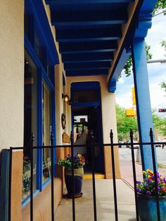 The architecture and colors of Santa Fe ... We love it there!!