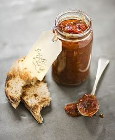 Chunky tomato relish - Would be great spread on bruschetta. Relish Recipes, Chutney Recipes, Canning Recipes, Yummy Drinks, Yummy Food, Great Recipes, Favorite Recipes, Tomato Relish, Tomato Sauce Recipe