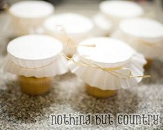 Great way to transport individual cupcakes... and creamies!