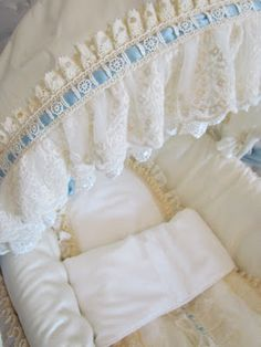 Angela Lace: details of a baby boy moses basket