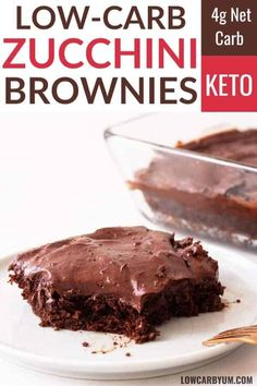 These keto zucchini brownies are super moist. They combine both almond flour and coconut flour into a rich and fudgy low carb brownie. Keto chocolate frosting makes them extra indulgent. Chocolate Zucchini Brownies, Low Carb Chocolate, Chocolate Frosting, Applesauce Brownies, Chocolate Truffles, Chocolate Recipes, Keto Desserts, Desserts Sains, Dessert Recipes