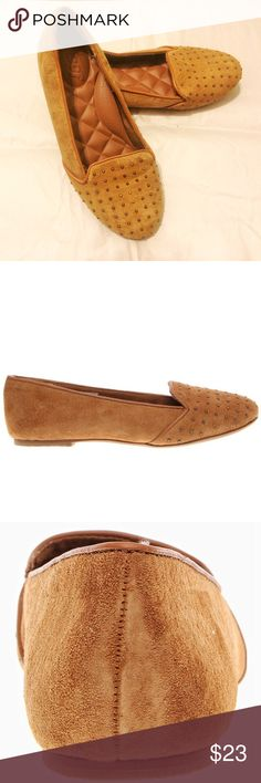 Reef Mayuta Tan Suede Flat 😺A FREE gift applied! Elegant suede material; Actual color is closer to second pic🤞Almost new condition; Comfortable shoe pad; 📦 Same day/ next day shipping Reef Shoes Flats & Loafers