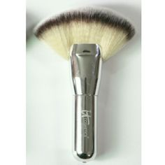 It cosmetics the heavely luxe mega fan brush It cosmetics the heavely luxe mega fan brush  - Brand new and authentic - Retails $48 plus tax - A little dot on the brush handle, refers to the 3rd photo, Low price reflects this.   Offers are always welcome! It cosmetics Makeup Brushes & Tools