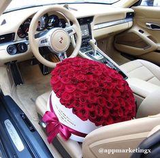 😘 rich lifestyle, luxury lifestyle, bouquet box, flower bouquets, flower b Luxury Lifestyle Women, Rich Lifestyle, Million Roses, Rosen Box, Luxury Flowers, Luxe Life, Flower Boxes, Boquette Flowers, Flower Bouquets