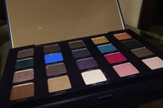 Bia Nicastro: Testei: Paleta The Vice da Urban Decay
