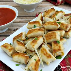 Cheese sticks baked in wonton wrappers for a delicious, guilt-free snack that's perfect football food or holiday appetizer! Cheese sticks baked in wonton wrappers for a delicious, guilt-free snack that's perfect football food or holiday appetizer! Holiday Appetizers, Yummy Appetizers, Appetizer Recipes, Wonton Appetizers, Party Appetizers, Party Snacks, Holiday Treats, Cheese Appetizers, Burger Bar