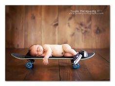 If we have a son, a skateboard will definitely take place in the baby pictures!!