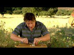 Jamie Oliver Tomato Salad with Chorizo Chorizo, Jamie Oliver Tomato Salad, Soup And Sandwich, My Favorite Food, Favorite Recipes, Food Videos, Cooking Videos, Summer Recipes, Salad Recipes