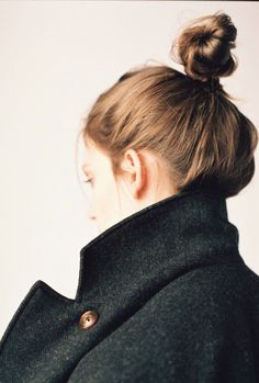 Any hairstylists out there know how to tame the frizzy baby hairs to get a nice calm bum like this?