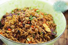 Classic Chinese Fried Rice Recipe is simple, quick and easy recipe that everyone can make it at home! The variety of fried rice is numberless, like pizza! Chicken Rice Recipes, Easy Rice Recipes, Healthy Recipes, Curry Recipes, Asian Recipes, Ethnic Recipes, Asian Foods, Cooking Recipes In Urdu, Dining