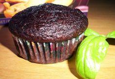 Hriešny banana-čoko muffin Slovak Recipes, Russian Recipes, Cheesecake Cupcakes, Pistachio, Nutella, Donuts, Blueberry, Raspberry, Muffins