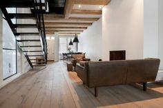 Woonkamer met antieke houten vloer, Prinsengracht VI | Kodde Architecten