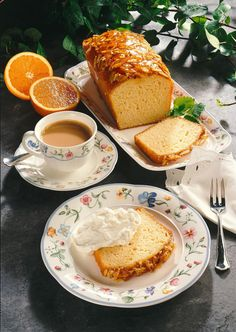 Our popular recipe for orange buttermilk cake and over more free recipes on LECKER. Cute Food, Yummy Food, Pause Café, Good Morning Coffee, Coffee Time, Tea Time, Orange Recipes, Aesthetic Food, Tea Recipes