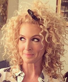 Kimberly Schlapman shares her Holy Grail products, her drugstore dupes, and her diffuser secret. She's just like us!