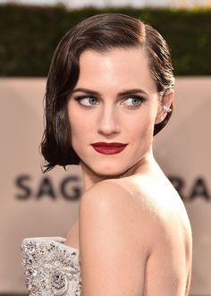 STYLECASTER | 2018 Sag Awards Beauty Looks | Allison Williams