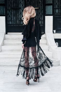 Muse Rebelle | The Lace Kimono editorial: Celia D lace kimono, Zara shorts and top, Aperlai heels
