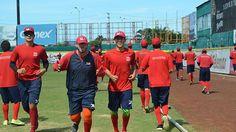 Campeche, Camp. ( www.piratasdecampeche.com / Carlos Carvajal ) 8 de noviembre.- Los seleccionados Juan Grijalva y Francisco Haro, quienes r...