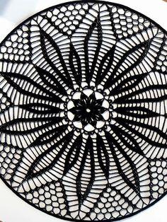 Crochet Tablecloth, Crochet Doilies, Dream Catcher Mandala, Techno, Crochet Mandala, Wedding Decoration, Art Crafts, Beret, Crochet Dreamcatcher