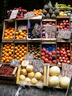 Fruit & Veg Stand at Saturday Market in San Telmo, Buenos Aires by katiemetz, via Flickr