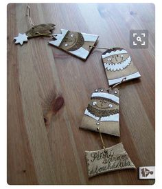 make a family door sign? Christmas Clay, Christmas Crafts, Christmas Ornaments, Ceramic Clay, Ceramic Beads, Paperclay, Salt Dough, Clay Projects, Clay Creations