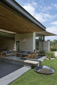 Casa integrada ao jardim, no México