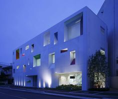 Tokiwadai Branch by Emmanuelle Moureaux architecture + design