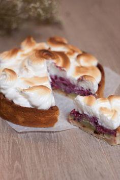 Une recette de dessert ultra gourmande, fondante et savoureuse - Recette Dessert : Tarte pistache fruits rouge meringuée par MarineisCooking
