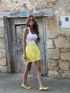 love the yellow skirt