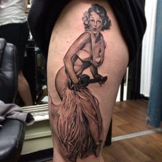 Samantha Ford inked this famous Gil Elvgren pinup. #InkedMagazine #inked #leg #tattoo